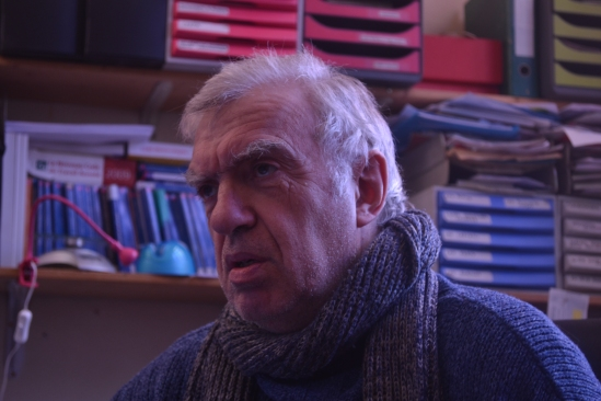 Gérard, retraité et militant à l'Union syndicale Solidaires, habite dans un HLM  depuis 1994.