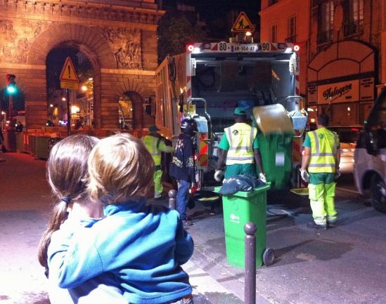 En 2011, près de 656 véhicules de ramassage de poubelles ont sillonné la ville. (Crédit : lesteph)